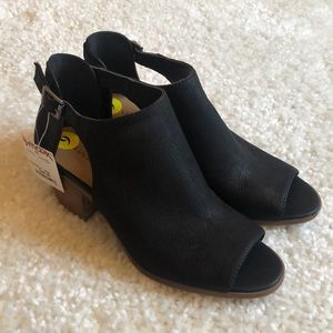 NWT Lucky Brand Open Toe Black Bootie Size 9